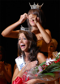 Miss Arkansas 2009 Being Crowned